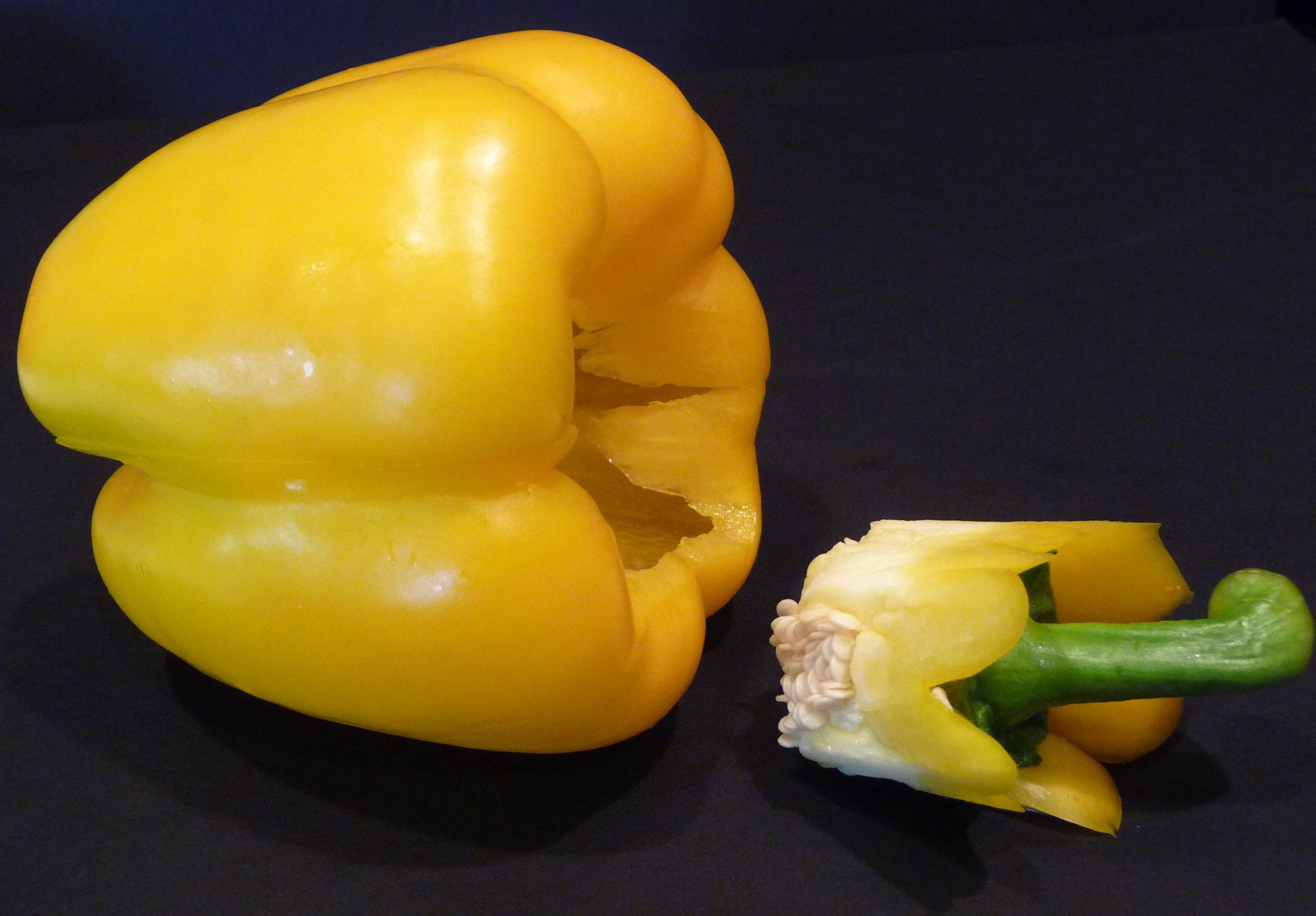 How to core a bell pepper (c) jfhaugen